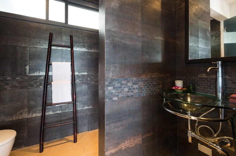 Baan View Talay Ensuite Bathroom | Nathon, Koh Samui