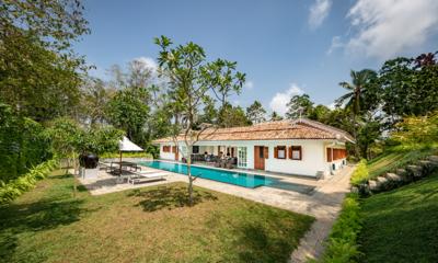 Leela Walauwwa Pool and Garden | Induruwa, Sri Lanka
