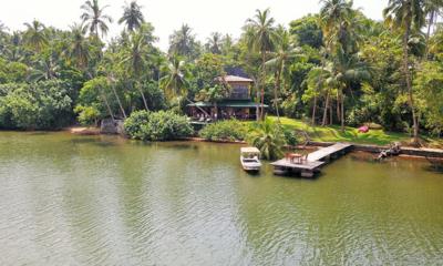 South Point Cottage River Front Dining Table | Koggala, Sri Lanka